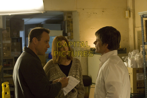 STEPHEN BELBER (DIRECTOR), JENNIFER ANISTON & STEVE ZAHN.on the set of Management.*Filmstill - Editorial Use Only*.CAP/FB.Supplied by Capital Pictures.