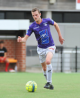 SV WEVELGEM CITY - FC MEULEBEKE :<br /> Wevelgem speler Thijs Lavens <br /> <br /> Foto VDB / Bart Vandenbroucke