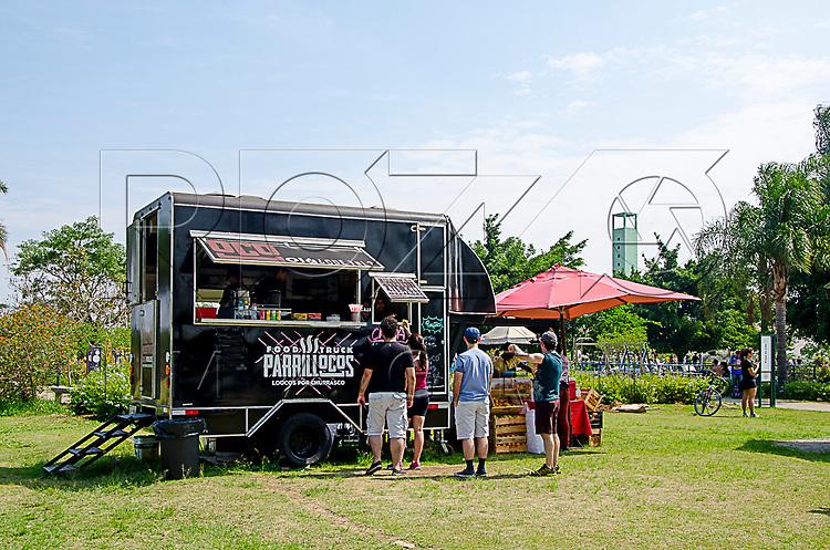 Food truck no Parque Villa Lobos, São Paulo - SP, 10/2016.