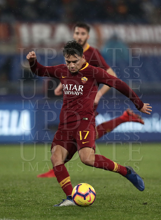 Football, Serie A: AS Roma - Genoa, Olympic stadium, Rome, December 16, 2018. <br /> Roma&rsquo;s Cengiz Under in action during the Italian Serie A football match between Roma and Genoa at Rome's Olympic stadium, on December 16, 2018.<br /> UPDATE IMAGES PRESS/Isabella Bonotto
