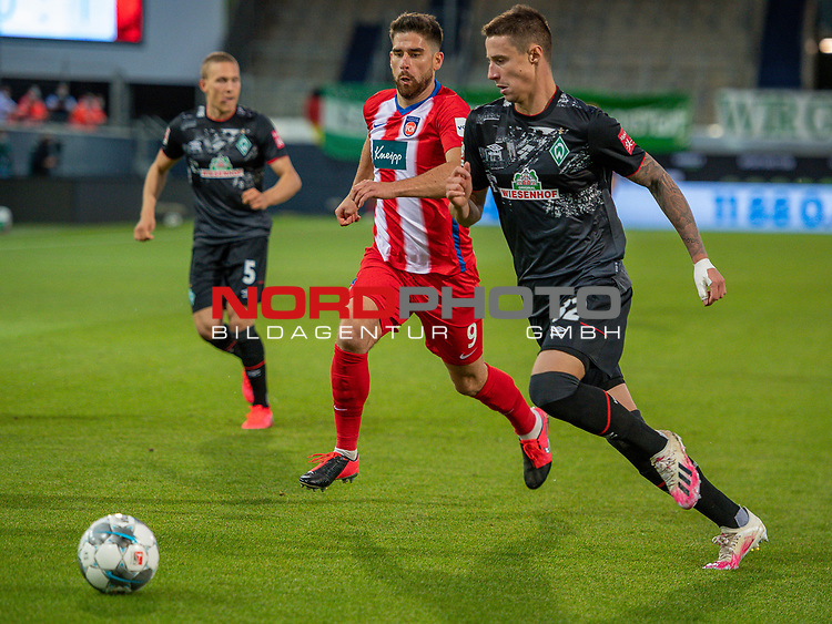 Ludwig Augustinsson (SV Werder Bremen #05), Stefan Schimmer (FC Heidenheim, #09), Marco Friedl (SV Werder Bremen #32),<br /> <br /> GER, FC Heidenheim vs. Werder Bremen, Fussball, Bundesliga Religation, 2019/2020, 06.07.2020,<br /> <br /> DFB/DFL regulations prohibit any use of photographs as image sequences and/or quasi-video., <br /> <br /> <br /> Foto: EIBNER/Sascha Walther/Pool/gumzmedia/nordphoto