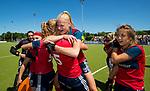 NIJMEGEN -  Vreugde bij Huizen  na   de tweede play-off wedstrijd dames, Nijmegen-Huizen (1-4), voor promotie naar de hoofdklasse.. Huizen promoveert naar de hoofdklasse.  COPYRIGHT KOEN SUYK
