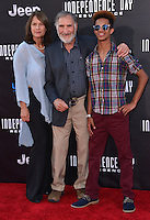 Judd Hirsh @ the premiere of 'Independence Day: Resurgence' held @ the Chinese theatre.<br /> June 20, 2016.