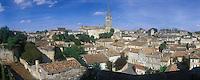 Europe/France/Aquitaine/Gironde/Saint-Emilion : Vue sur le village depuis la Tour du Roy