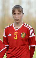 20151128 - Tubize , Belgium : Belgian Ella Vierendeels pictured during the female soccer match between Women under 16 teams of  Belgium and Germany , in Tubize . Saturday 28th November 2015 . PHOTO DIRK VUYLSTEKE