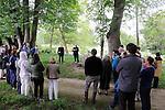 Le pouce de Jean-Jacques – Dector & Dupuy<br /> Lieu : Parc Jean Jacques Rousseau<br /> Ville : Ermenonville<br /> Le 03/07/2016<br /> (C)2016 Laurent paillier / photosdedanse.com, tous droits r