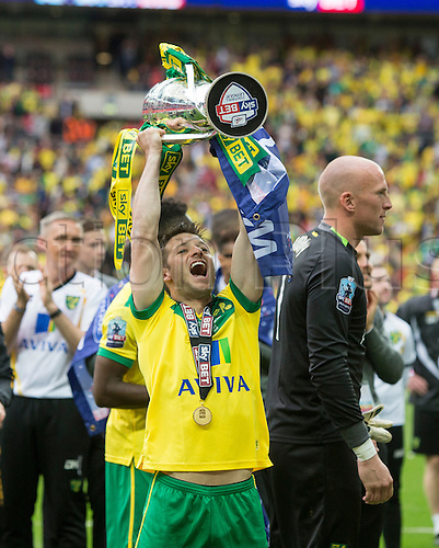 25.05.2015.  London, England. Skybet Championship Playoff Final. Middlesborough versus Norwich. Norwich City's Wesley Hoolahan celebrates with the trophy at the final whistle.