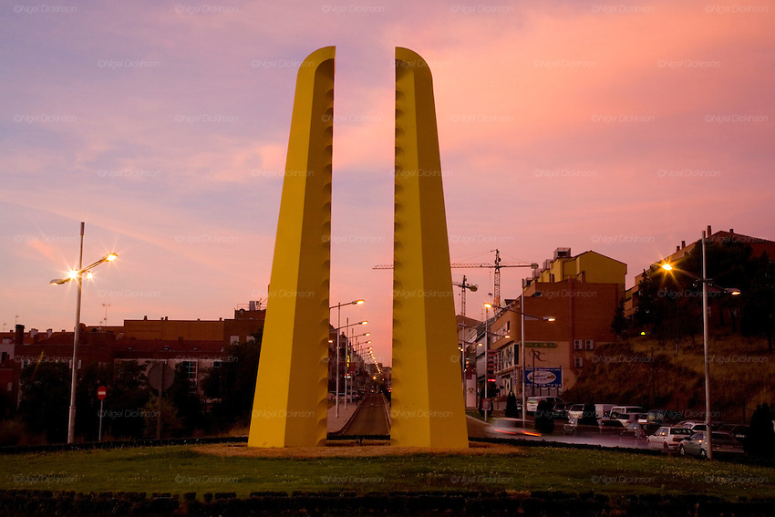 Sebastian Enrique Carbahal, sculptures, exhibited in the city of Toledo Spain, 2008