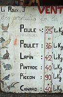 Europe/France/Bretagne/22/Côtes d'Armor/Treguier: Détail de l'affiche d'un boucher sur le marché