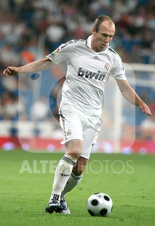 Real Madrid's Arjen Robben during Super Cup match, August 24, 2008. (ALTERPHOTOS/Alvaro Hernandez)