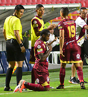 IBAGUE - COLOMBIA, 26-08-2019: Leyvin Balanta del Tolima celebra después de anotar el primer gol de su equipo partido entre Deportes Tolima y Jaguares de Córdoba por la fecha 8 de la Liga Águila II 2019 jugado en el estadio Manuel Murillo Toro de la ciudad de Ibagué. / Leyvin Balanta of Tolima celebrates after scoring the first goal of his team during match between Deportes Tolima and Jaguares de Cordoba for the date 8 as part of Aguila League II 2019 played at Manuel Murillo Toro stadium in Ibague. Photo: VizzorImage / Juan Carlos Escobar / Cont