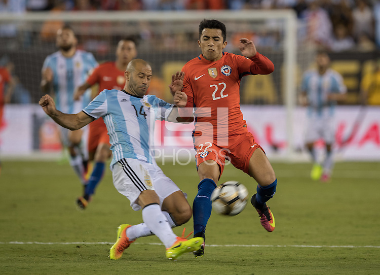 Action photo during the match Argentina vs Chile, Corresponding to Great Final of the America Centenary Cup 2016 at Metlife Stadium, East Rutherford, New Jersey.<br /> <br /> <br /> Foto de accion durante el partido Argentina vs Chile, correspondiente a la Gran Final de la Copa America Centenario 2016 en el  Metlife Stadium, East Rutherford, Nueva Jersey, en la foto: (i-d) Javier Mascherano de Argentina y Edson Puch de Chile<br /> <br /> <br /> 26/06/2016/MEXSPORT/David Leah.