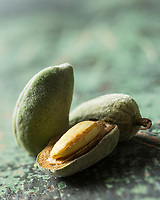 Gastronomie Générale/ Amande  d'agriculture biologique //  Organic Almond