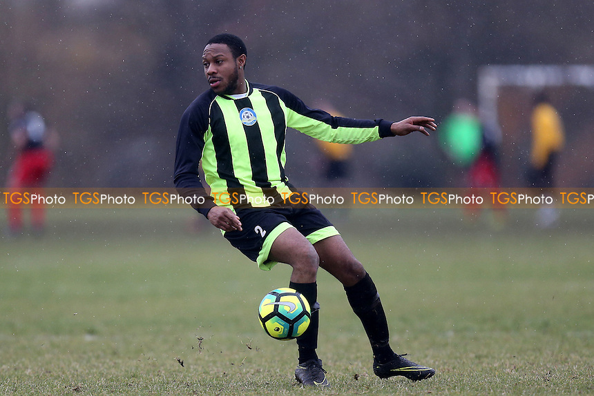 FC Stepney (White) vs Eagle (Green and black) - Hackney & Leyton Sunday League Football at Hackney Marshes on 29th January 2017