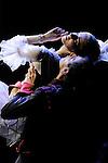 MARIE ANTOINETTE..Chorégraphie et Mise en scène Patrick de Bana..Costumes Agnès Letestu..Décors Marcelo Pacheco, Alberto Esteban / Area Espacios Efimeros..Lumières James Angot..Marie-Antoinette : Olga Esina..Axel de Fersen : Kamil Pavelka..Compagnie : Wiener Staatsballett / le ballet de l'Opéra de Vienne..Lieu: Opéra Royal de Versailles..Ville : Versailles..le 02/11/2011