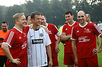 Büttelborn 25.08.2017: SKV Old Boys vs. Eintracht Frankfurt Traditionsmannschaft<br /> <br /> Foto: Vollformat/Marc Schüler, Schäfergasse 5, 65428 R'heim, Fon 0151/11654988, Bankverbindung KSKGG BLZ. 50852553 , KTO. 16003352. Alle Honorare zzgl. 7% MwSt.