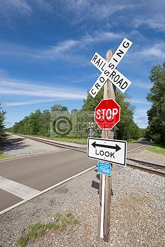 BUFFALO & PITTSBURGH RAILROAD RURAL LEVEL CROSSING MCKEAN COUNTY PENNSYLVANIA USA