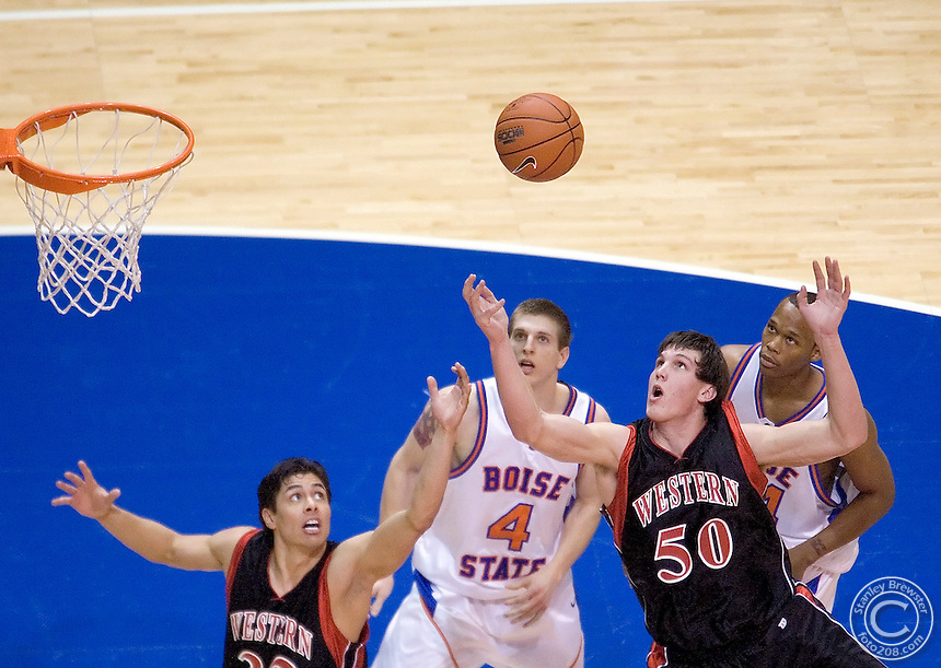 02-13-07 Boise, ID Boise State vs. Montana Western in a replacement game for the Colorado State game that was cancelled earlier in the season due to a severe snowstorm. The Broncos cruised to a 101-65 win.