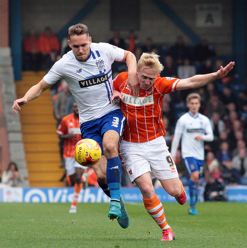 Bury's Chris Hussey battles with Blackpool's Mark Cullen<br /> <br /> Photographer David Shipman/CameraSport<br /> <br /> Football - The Football League Sky Bet League One - Bury v Blackpool - Saturday 31st October 2015 - Gigg Lane - Bury <br /> <br /> &copy; CameraSport - 43 Linden Ave. Countesthorpe. Leicester. England. LE8 5PG - Tel: +44 (0) 116 277 4147 - admin@camerasport.com - www.camerasport.com