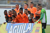 ENVIGADO -COLOMBIA-07-03-2015. Jugadores de Envigado FC  posan para una foto previo ala encuentro con Aguilas Pereira por la fecha 8 de la Liga Águila I 2015 realizado en el Polideportivo Sur de la ciudad de Envigado./ Players of Envigado FC  pose to a photo prior the match against Aguilas Pereira for the 8th date of the Aguila League I 2015 at Polideportivo Sur in Envigado city.  Photo: VizzorImage/León Monsalve/STR