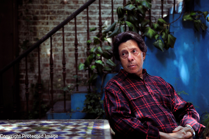 USA. New York. 11th July 2008..Author Richard Price at his home in Manhattan..©Andrew Testa
