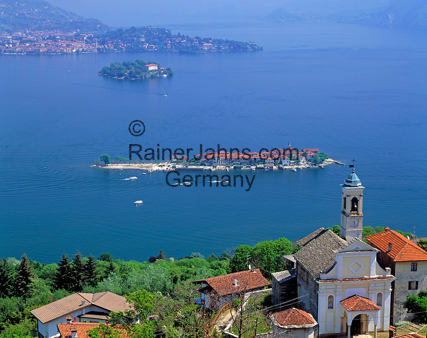 ITA, Italien, Piemont, Lago Maggiore, Kur- und Badeort Stresa mit Blick auf die Borromaeischen Inseln, Pallanza und Verbania | ITA, Italy, Piedmont, Lago Maggiore, Stresa: view at the Borromean Islands, Pallanza and Verbania