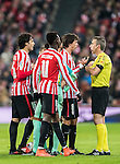 Ander Iturraspe Derteano of Athletic Club and teammates argue with referee David Fernandez Borbalan during their Copa del Rey Round of 16 first leg match between Athletic Club and FC Barcelona at San Mames Stadium on 05 January 2017 in Bilbao, Spain. Photo by Victor Fraile / Power Sport Images