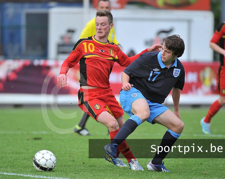 Belgium U19 - England U19 : Rob Schoofs (10) and Benjamin Pearson (17).foto DAVID CATRY / Nikonpro.be