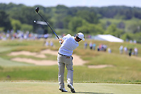Thomas Aiken (RSA) tees off the 7th tee during Friday's Round 2 of the 117th U.S. Open Championship 2017 held at Erin Hills, Erin, Wisconsin, USA. 16th June 2017.<br /> Picture: Eoin Clarke | Golffile<br /> <br /> <br /> All photos usage must carry mandatory copyright credit (&copy; Golffile | Eoin Clarke)