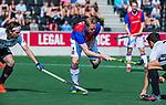 AMSTELVEEN - Leon van Barneveld (SCHC) tijdens  de hoofdklasse competitiewedstrijd hockey heren,  Amsterdam-SCHC (3-1).