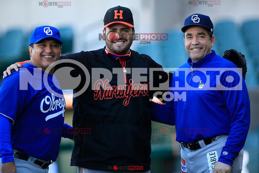 Edgar Gonzalez (c) y Eddie Diaz (d),durante segundo juego de la serie de beisbol entre Yaquis de Obregon vs Naranjeros de Hermosillo en Estadio Sonora.Liga Mexicana del Pacifico.<br /> Hermosillo Sonora 28 diciembre 2014. <br /> (CreditoFoto:Luis Gutierrez)