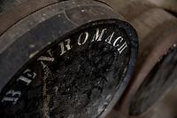 Botti per invecchiamento whisky, barrels, particolare con marchio proprietario