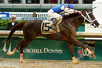 Smarty Jones wins the KY Derby.  © 5/04 Barbara D. Livingston. All rights reserved. easygoer78@aol.com