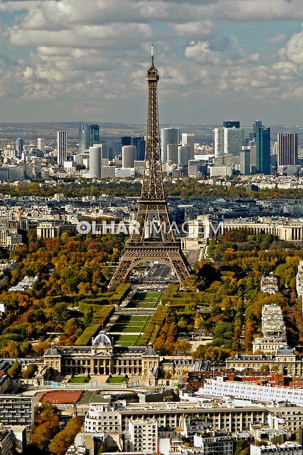 Torre Eiffel em Paris, França. 2004. Foto de Ricardo Azoury.