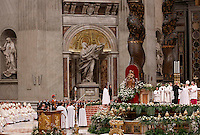Papa Francesco battezza un gruppo di catecumeni durante la veglia di Pasqua nella Basilica di San Pietro, Citta' del Vaticano, 4 aprile 2015.<br /> Pope Francis baptizes a group of catechumens during the Easter vigil in St. Peter's Basilica at the Vatican, 4 April 2015.<br /> UPDATE IMAGES PRESS/Riccardo De Luca<br /> <br /> STRICTLY ONLY FOR EDITORIAL USE