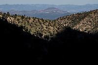 Expedition con fines científicos y conservacionistas. Alrededor de 50 personas (mex y usa)  de las distintas disciplinas de las ciencias biológicas y personal de la Reserva Forestal Nacional y Refugio de Fauna Silvestre  AJOS-BAVISPE a cargo la Conanp,  partieron esta mañana de Cananea hacia la Sierra Buenos Aires para realizar la Madrean Diversity Expedition (MDE) donde los especialistas en aves, plantas y demás fauna realizan investigación con fines científicos<br /> Madrean Diversity Expedition (MDE )en Sierra Buenos Aires en Bacoachi Sonora Mexico***<br /> ©Foto: LuisGutierrrez/NortePhoto