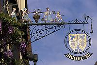 """Europe/France/Alsace/68/Haut-Rhin/Riquewihr : Détail façade et enseigne de chez """"Hugel"""""""