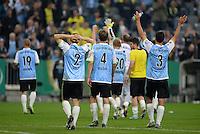 FUSSBALL   DFB POKAL 2. RUNDE   SAISON 2013/2014 TSV 1860 Muenchen - Borussia Dortmund         24.09.2013 Enttaeuschung 1860 Muenchen: Moritz Volz, Kai Buelow und Grzegorz Wojtkowiak (v.li.)