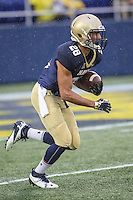 Annapolis, MD - October 8, 2016: Navy Midshipmen running back Dishan Romine (28) returns a kickoff during game between Houston and Navy at  Navy-Marine Corps Memorial Stadium in Annapolis, MD.   (Photo by Elliott Brown/Media Images International)