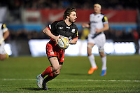 Ben Ransom of Saracens in possession. Aviva Premiership match, between Saracens and Bath Rugby on January 30, 2016 at Allianz Park in London, England. Photo by: Patrick Khachfe / Onside Images