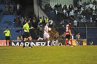 SAO PAULO, SP, 26 DE JANEIRO DE 2012 - CAMP. PAULISTA - Santos X Ituano- Alan Kardec comemora gol durante Campeonato Paulistas. no Estadio Anacleto Campanela em Sao Caetano do Sul. (FOTO: ADRIANO LIMA - NEWS FREE).