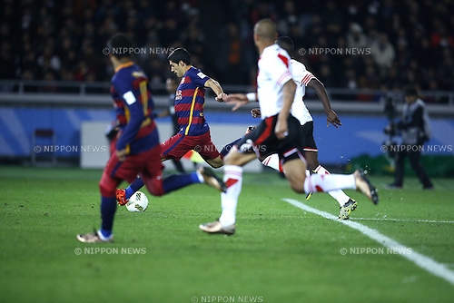 Luis Suarez (Barcelona), DECEMBER 20, 2015 - Football / Soccer : Luis Suarez of Barcelona scores his 1st goal during the FIFA Club World Cup Japan 2015 Final match between River Plate 0-3 FC Barcelona at International Stadium Yokohama in Kanagawa, Japan. (Photo by Koji Aoki/AFLO SPORT)
