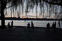 Evening along the Beihai lake, Beijing, 29 July 2012.