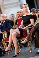 BETTINA WULFF MOGLIE DEL PRESIDENTE DELLA REPUBBLICA FEDERALE TEDESCA - BETTINA WULFF, WIFE OF THE PRESIDENT OF THE FEDERAL REPUBLIC OF GERMANY..Roma 07/07/2011 Campidoglio. Il presidente della Repubblica  federale di Germania in visita al Campidoglio accolto dal sindaco di Roma. In occasione del 150¡ anniversario dell'Unita' d'Italia il Presidente tedesco omaggia la citta' di un concerto, eseguito dalla Deutsche  Kammerphilharmonie di Brema...The President of the Deutch Federal Repubblic visits Rome, and to celebrate the 150¡ anniversary of the Italian unity, he offer a concert, played by the Deutsche  Kammerphilharmonie of Brema...Photo Samantha Zucchi insidefoto