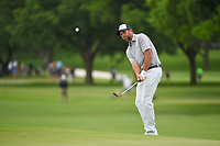 Josh Teater (USA) chips on to 2 during round 3 of the 2019 Charles Schwab Challenge, Colonial Country Club, Ft. Worth, Texas,  USA. 5/25/2019.<br /> Picture: Golffile | Ken Murray<br /> <br /> All photo usage must carry mandatory copyright credit (© Golffile | Ken Murray)