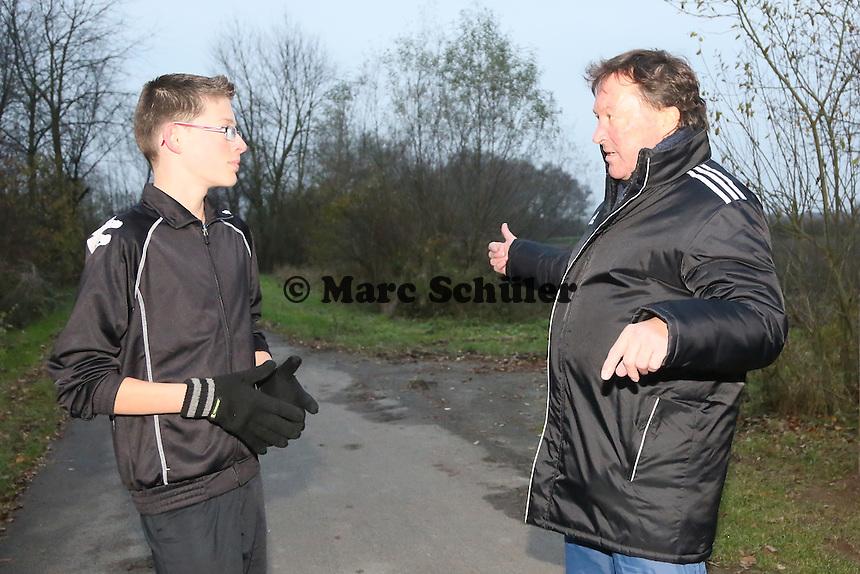 Elias Funk (14) beim Training in Büttelborn mit Trainer Peter Wiedrinsky