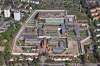 Lauerhof: EUROPA, DEUTSCHLAND, SCHLESWIG- HOLSTEIN, LUEBECK, (GERMANY), 20.04.2009: Die Justizvollzugsanstalt Luebeck (auch Lauerhof genannt) befindet sich auf dem Lauerhoefer Felde im Luebecker Stadtteil St. Gertrud auf Marli. In Schleswig-Holstein ist die Justizvollzugsanstalt Luebeck die groesste Haftanstalt. Umbau, Ausbau, Erweiterung, Mauer, Knast, Gefaengnis, .Luftbild, Luftaufnahme, Luftansicht.c o p y r i g h t : A U F W I N D - L U F T B I L D E R . de.G e r t r u d - B a e u m e r - S t i e g 1 0 2, 2 1 0 3 5 H a m b u r g , G e r m a n y P h o n e + 4 9 (0) 1 7 1 - 6 8 6 6 0 6 9 E m a i l H w e i 1 @ a o l . c o m w w w . a u f w i n d - l u f t b i l d e r . d e.K o n t o : P o s t b a n k H a m b u r g .B l z : 2 0 0 1 0 0 2 0  K o n t o : 5 8 3 6 5 7 2 0 9. V e r o e f f e n t l i c h u n g n u r m i t H o n o r a r n a c h M F M, N a m e n s n e n n u n g u n d B e l e g e x e m p l a r !.
