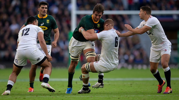 South Africa's Eben Etzebeth is tackled by England's Brad Shields<br /> Photographer Bob Bradford/CameraSport<br /> <br /> Quilter Internationals - England v South Africa - Saturday 3rd November 2018 - Twickenham Stadium - London<br /> <br /> World Copyright © 2018 CameraSport. All rights reserved. 43 Linden Ave. Countesthorpe. Leicester. England. LE8 5PG - Tel: +44 (0) 116 277 4147 - admin@camerasport.com - www.camerasport.com