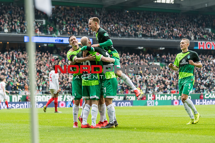 10.02.2019, Weserstadion, Bremen, GER, 1.FBL, Werder Bremen vs FC Augsburg<br /> <br /> DFL REGULATIONS PROHIBIT ANY USE OF PHOTOGRAPHS AS IMAGE SEQUENCES AND/OR QUASI-VIDEO.<br /> <br /> im Bild / picture shows<br /> Milot Rashica (Werder Bremen #11) bejubelt seinen Treffer zum 3:0 mit Max Kruse (Werder Bremen #10), Davy Klaassen (Werder Bremen #30), Johannes Eggestein (Werder Bremen #24), <br /> <br /> Foto © nordphoto / Ewert