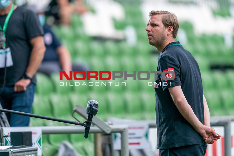 Florian Kohfeldt (Trainer SV Werder Bremen) beim INterview<br /> <br /> <br /> Sport: nphgm001: Fussball: 1. Bundesliga: Saison 19/20: 34. Spieltag: SV Werder Bremen vs 1.FC Koeln  27.06.2020<br /> <br /> Foto: gumzmedia/nordphoto/POOL <br /> <br /> DFL regulations prohibit any use of photographs as image sequences and/or quasi-video.<br /> EDITORIAL USE ONLY<br /> National and international News-Agencies OUT.